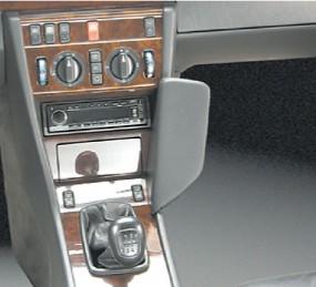 Mercedes E-Klasee (W124) / Baujahr 1986 bis 1995 KFZ Halterung Konsole