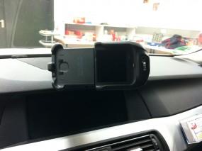 Einbau Bury Charging Cradle Galaxy S4 im BMW 5er F10 / F11