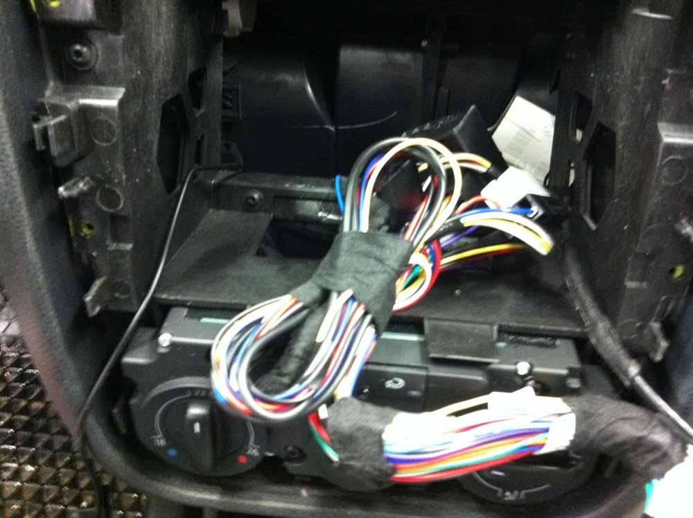 Bury CC9068 Einbau in VW Golf 5